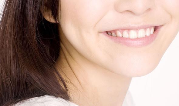 笑顔は健康な歯から